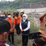 Kunjungi Lumajang, Gubernur Khofifah Desak BPBD Buat Peta Kerawanan Bencana Semeru