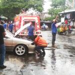 Sedan Timor Tiba-tiba Terbakar di Kota Malang