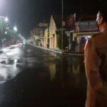 Diguyur Hujan, Kota Mojokerto Sepi Saat Malam Tahun Baru