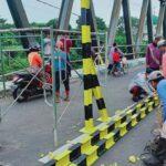 Belum Berfungsi Normal, Jembatan Karangrejo Dipasangi Portal