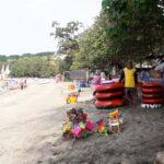 Penyewa Perahu dan Ban di Pantai Pasir Putih Situbondo Menurun Drastis