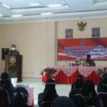 Pjs Wali Kota Blitar Serahkan Bantuan ke Peserta Pelatihan Dinsos Kota Blitar