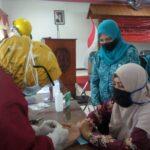 Ratusan Emak-emak di Situbondo Jalani Rapid Test Gratis, Tiga Reaktif