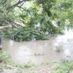 Debit Air Sungai Meningkat, Polisi Setop Penyeberangan Perahu di Ngawi