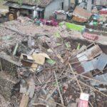 3 Rumah Ambruk Terkena Banjir Bandang Jember, Warga Tutup Jembatan Gladak Kembar