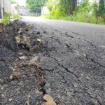 Baru Dibangun, Proyek Jalan Rp800 Juta di Ambat Pamekasan Rusak