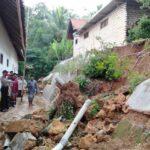 Digerus Hujan Deras, Tebing Penahan di Pamekasan Longsor