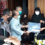 Jasa Raharja Serahkan Santunan Rp50 Juta Bagi Korban Pesawat Sriwijaya Air Asal Surabaya