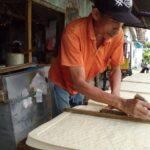 Harga Kedelai Impor Naik, Pengrajin Tahu di Jombang Perkecil Irisan