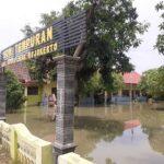 Puluhan Rumah dan Gedung SD di Mojokerto Direndam Banjir 4 Hari