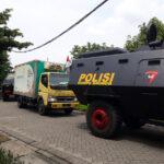 Vaksin Covid-19 untuk Jatim Tiba di Surabaya dengan Dikawal Mobil Lapis Baja Brimob