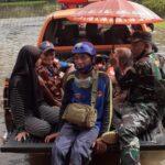 Banjir di Kecamatan Tempurejo Jember Paling Parah, 15 Lansia dan 2 Bayi Dievakuasi