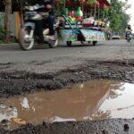 Jalan Rusak di Probolinggo Picu Dua Kecelakaan dalam Sehari