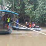 Tercebur dari Perahu Tambang, Seorang Penumpang Dikabarkan Tenggelam di Kali Mas