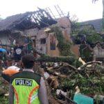 Angin Kencang dan Hujan Deras, Tiga Rumah di Blitar Rusak