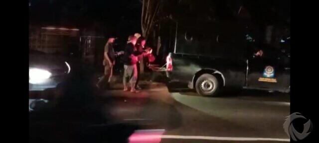 Satpol PP Mojokerto Gerebek Tempat Mangkal Waria di Jetis, 2 Orang Diamankan
