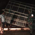 Tertimpa Pohon Tumbang, Dua Rumah Warga Situbondo Rusak Berat