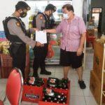 Polres Situbondo Sita Puluhan Botol Miras dari Sebuah Rumah Makan