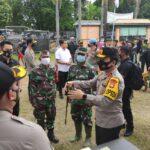 Sambangi Korban Banjir di Jombang, Kapolda Jatim Siap Bantu Bersih-Bersih