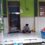 Rumahnya Sudah Dibersihkan, Warga Kembali ke Pengungsian Banjir di Jombang