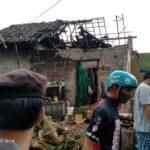 Puting Beliung di Blitar Rusak 21 Rumah, 6 Orang Terluka Tertipah Atap
