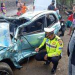 Sedan Tertabrak Kereta Api di Sidoarjo, Tiga Warga Jember Terluka