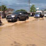 Banjir Meluas, Lalu Lintas di Bandar Kedungmulyo Jombang Merayap Hingga 1 Kilometer