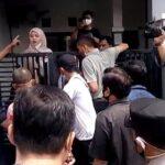 Eksekusi Rumah 2 Lantai di Sidoarjo yang Dilawan Penghuni