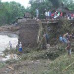 Satu Jembatan di Jombang Ambruk Diterjang Banjir
