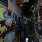 Perayaan Imlek di Kampung Pecinan Surabaya Diisi Melukis Mural