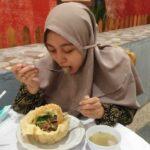Lezatnya Makan Mi Sekalian Sama Mangkuknya di Jember