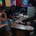 Razia Tempat Hiburan Malam di Blitar, Cewek Pemandu Lagu dan Pengunjung Dites Urine
