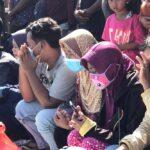 Tangis Keluarga Warnai Pencarian Korban Tenggelam di Long Storage Mojokerto