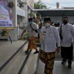 Seminggu Menjabat, Bupati Jember Ajak Pejabat 'Sarungan' dan Berbusana Muslim Setiap Jumat