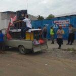 Puluhan Buruh Demo Pabrik Triyuda Cipta Sentosa Jetis Mojokerto