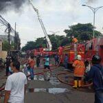 Polisi Belum Bisa Pastikan Penyebab Kebakaran di Pabrik Gama Surya Surabaya