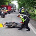 Dua Sepeda Motor Adu Banteng di Sidoarjo, Satu Pengendara Tewas