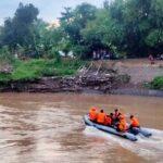 Korban Tenggelam Kali Gunting Ditemukan 20 KM dari Titik Kejadian