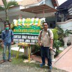 Puluhan Karangan Bunga Belasungkawa Banjiri Rumah Artidjo di Situbondo