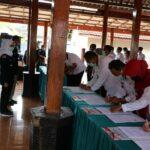 Bupati Blitar Saksikan Penanda-tanganan Kerjasama 'Salam Sak Jangkah' di Selopuro
