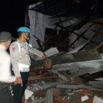 Atap Puluhan Rumah di Situbondo Porak-poranda Dihempas Angin