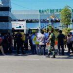 Tolak Pengembangan RS Mitra Sehat Situbondo, Puluhan Warga Demo Pemkab