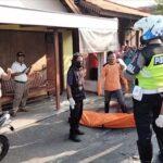 Tergelincir Ceceran Oli di Jalan Raya Mojokerto, Pemotor Asal Jombang Tewas