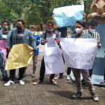 Mahasiswa Unitomo Surabaya Demo, Tuntut Kejelasan Aset yang Diduga Hilang