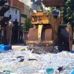 Polres Blitar Kota Musnahkan 2.274 Botol Miras Sitaan