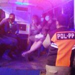 Pura-pura Pingsan Saat Razia, Pengunjung Tempat Karaoke di Sidoarjo Kabur