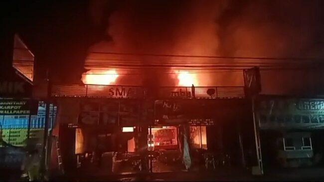 Dua KebakaranHebat Terjadi dalam Semalam di Lamongan, 1 Korban Tewas Jadi Arang