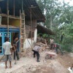 Warga Blitar Korban Gempa Malang Berharap Bantuan Material