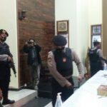 Amankan Paskah 2021, Polisi Sterilisasi Gereja di Situbondo