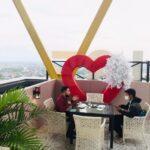 Asyiknya Ngabuburit Menikmati View Kota Mojokerto di Topaz Sky Longue and Bar
